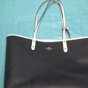 Reversible coach black and white tote with clutch